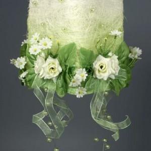 Подвеска квадратная с цветами и бусами