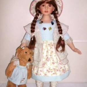 Кукла фарфоровая 66 см