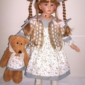 Кукла фарфоровая Селеста 66 см 090909